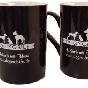 ein Paar Kaffee -Tassen schwarz